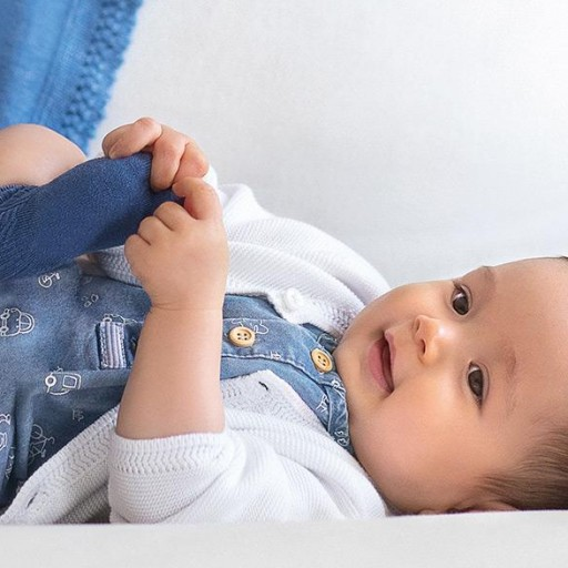 Rebeca bebé niño bolsillos [3]