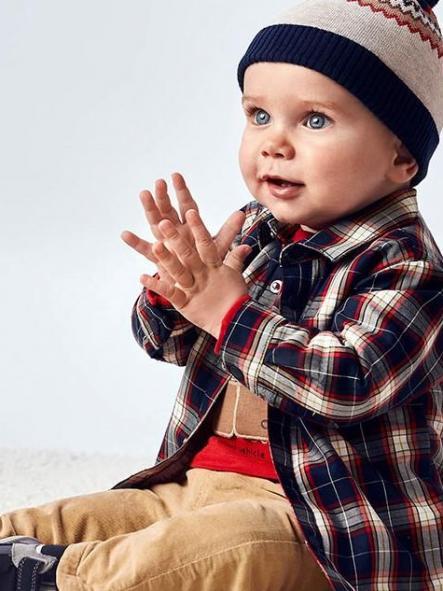 Sobre camisa bebé niño