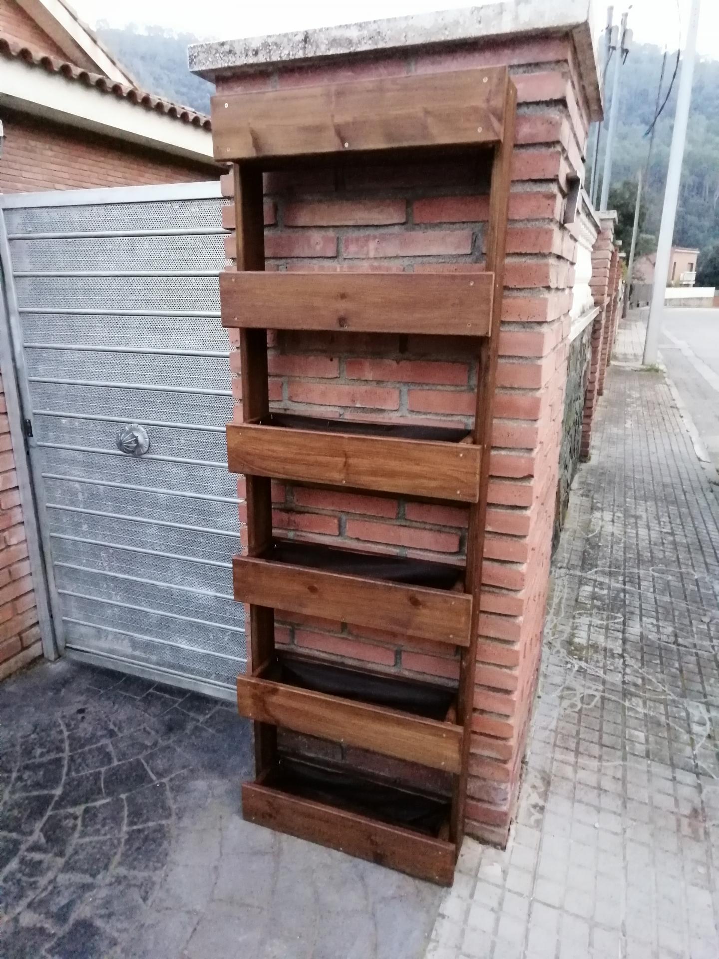 Jardinera Vertical A6 55