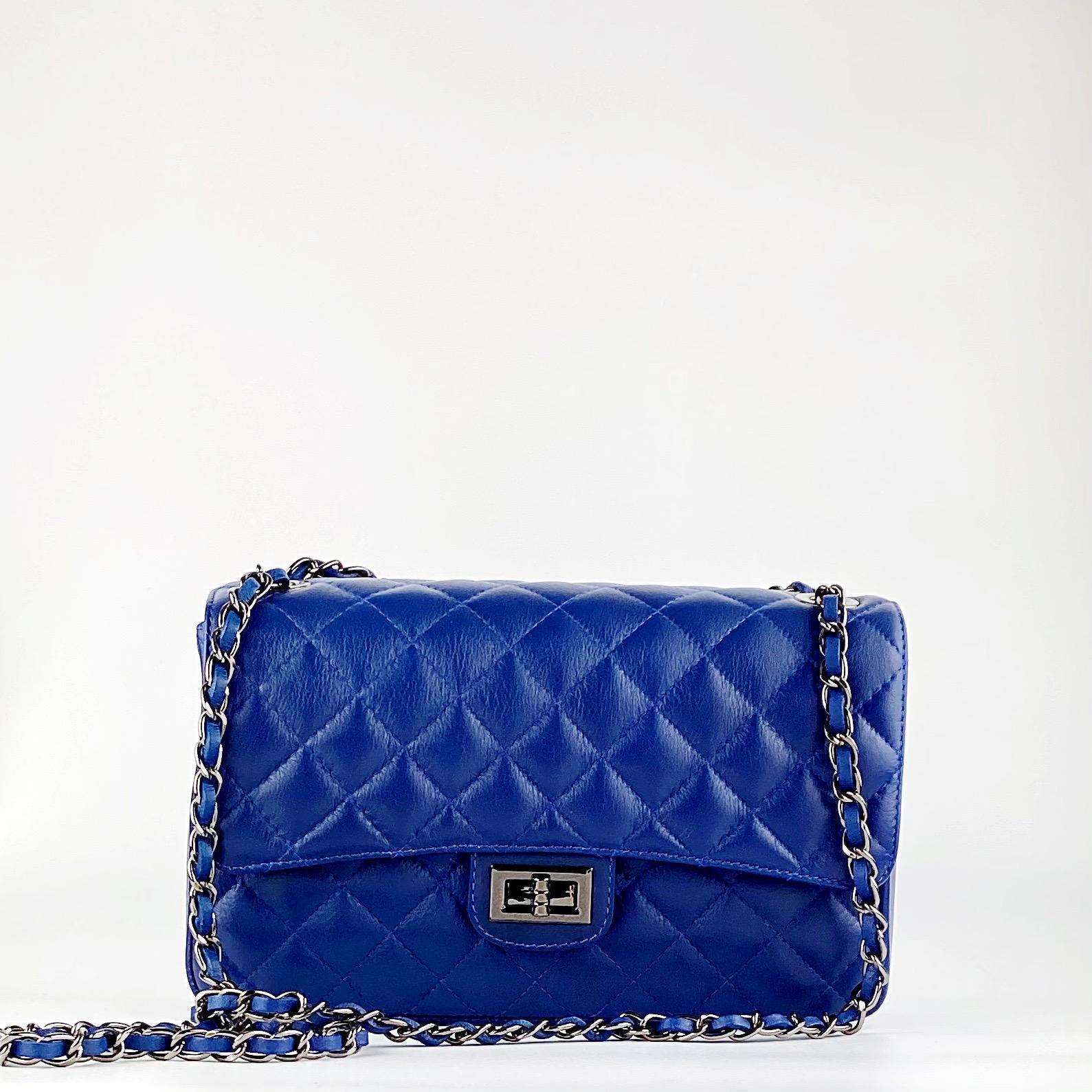 B. acolch clasic  azul Marino c. negra