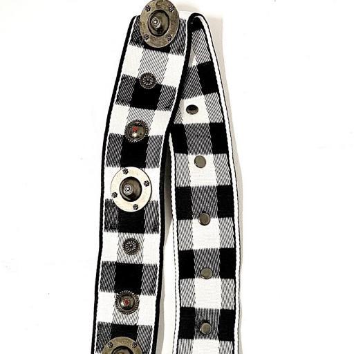 Correa con tachas blanco/negro  [1]