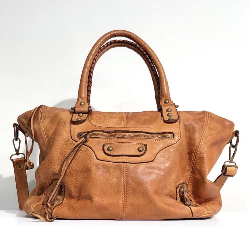 Bandolera estilo city midi marrón