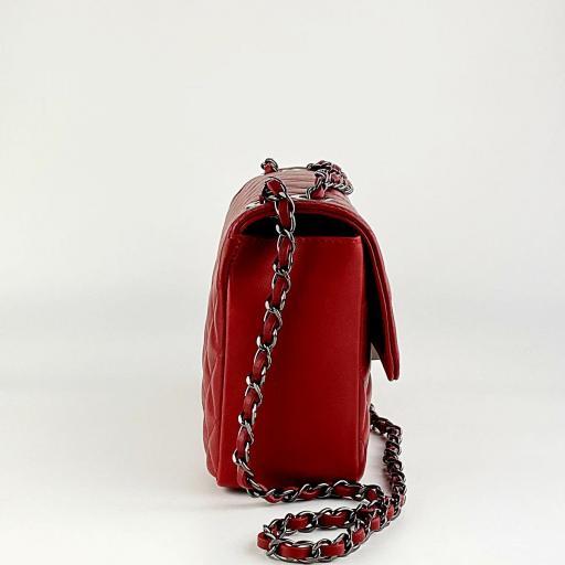 B. acolch clasic  rojo   c. negra [3]