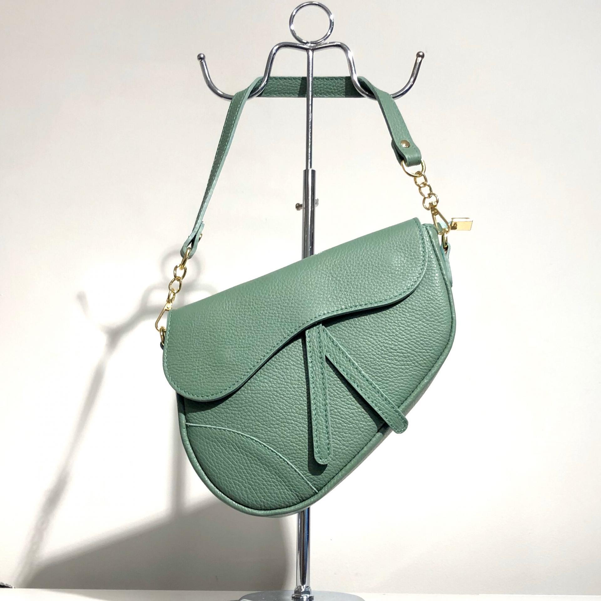 Bolso silla montar  piel verde menta