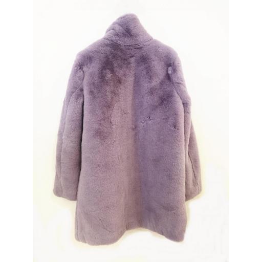 Abrigo peluche sintético [1]