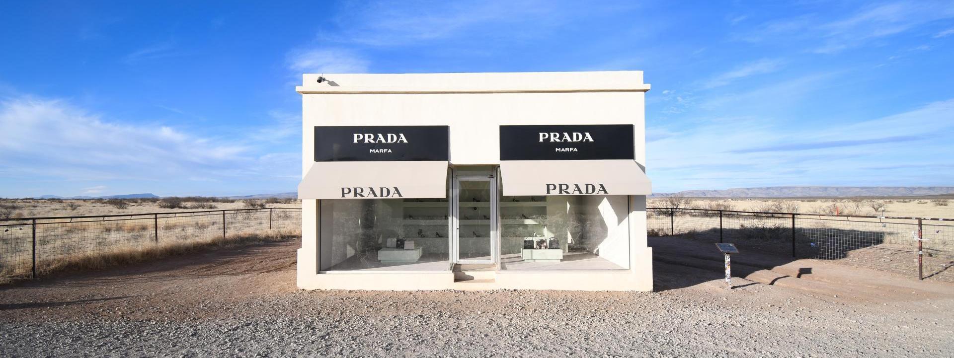 Re-edition 2005: Llévate la inspiración del bolso más icónico de Prada