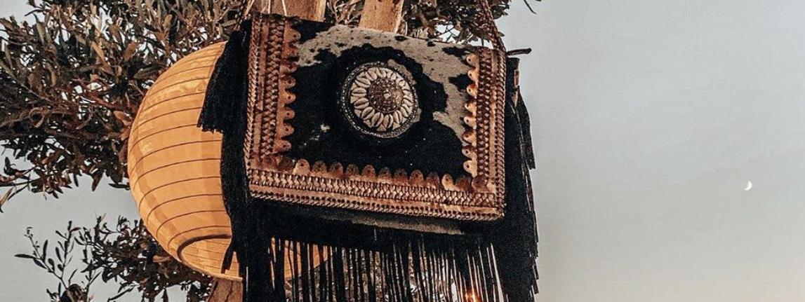 Descubre nuestros bolsos étnicos para un look boho