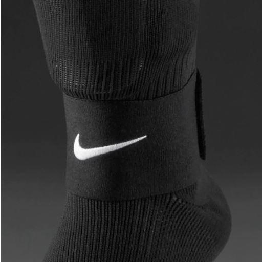 Nike Banda Sujeta Espinilleras Guard Stay II Negro [1]