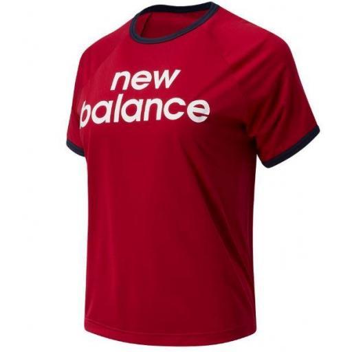 Camiseta New Balance Achiever Graphic High Low Tee Mujer Roja/Azul