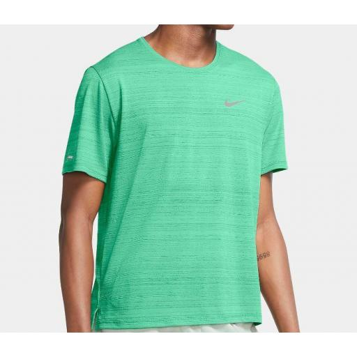 Camiseta Nike Dri-FIT Miler Running Top Verde Claro