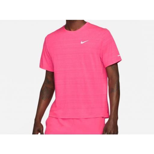 Camiseta Nike Dri-FIT Miler Running Top Rosa Coral