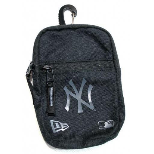 New Era Bolso Pequeño MLB NY Yankees Mini Pouch In