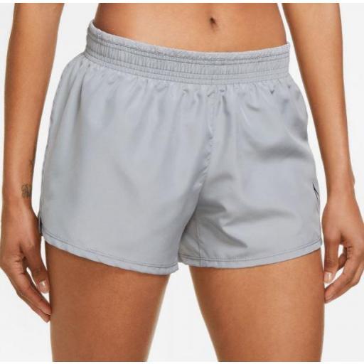 Pantalón Corto Nike Dri-FIT Swoosh Run Mujer Gris
