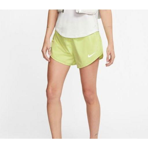 Pantalón corto Nike Tempo Lux 3 IN Mujer Verde Lima [1]