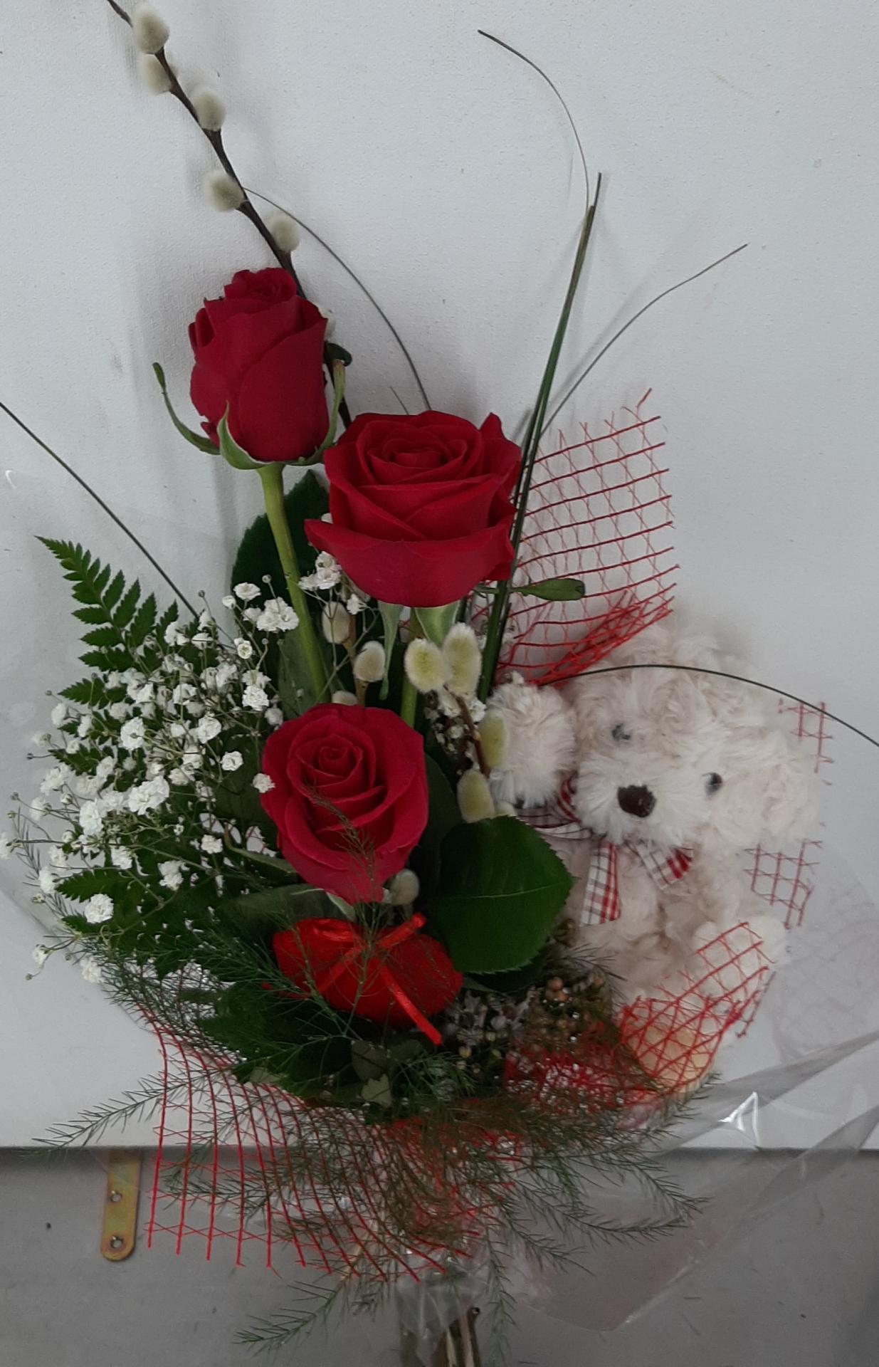 Trio de rosas Y osito