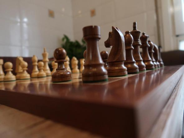 Conjunto de Ajedrez piezas profesionales(Plomadas) Stauton 6 y tablero Reydama de madera de 50x50 [1]