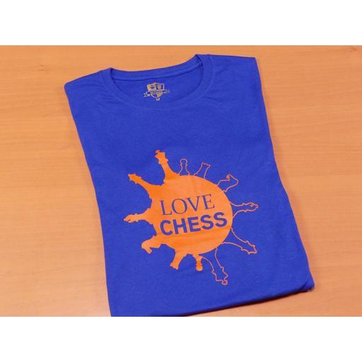 Camiseta azul con diseño Love Chess [1]