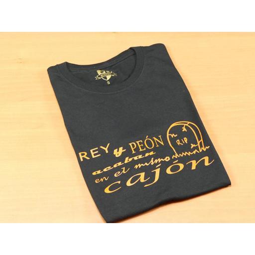 Camiseta negra con diseño Rey Peón [1]