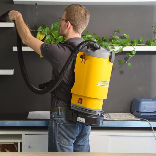 Aspirador industrial polvo de mochila 3,3 L [1]
