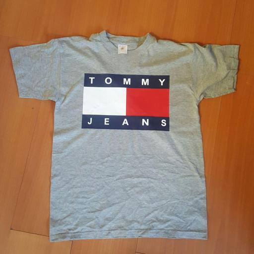 CAMISETA TOMMY JEANS