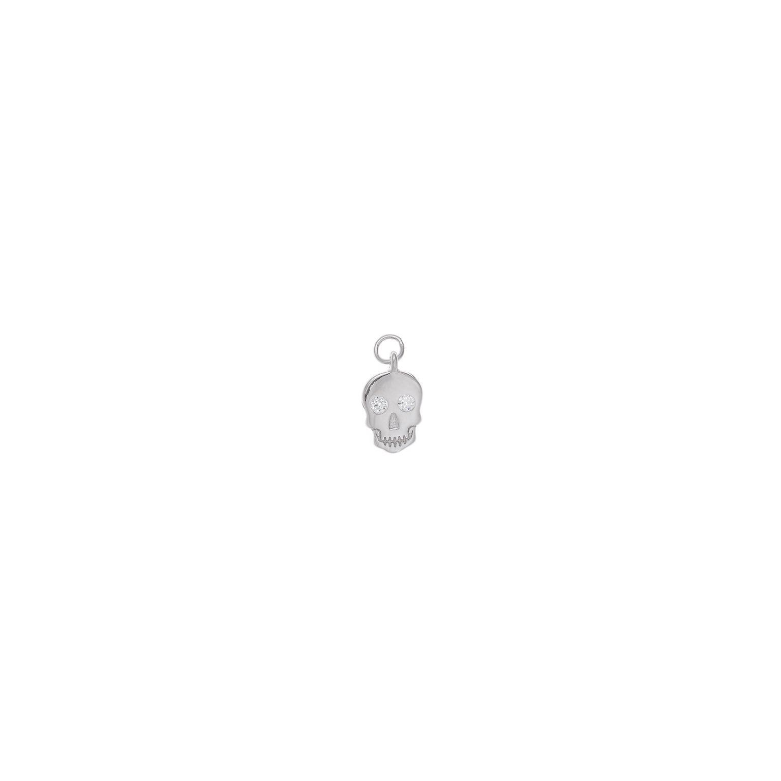 Charm plata Salvatore calavera circonitas blancas