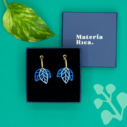 Pendientes  de aro Materia Rica  dos hojas azules en dos tonos [2]