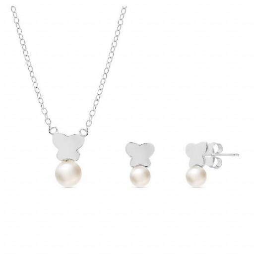 Conjunto  plata Pilar Breviati  formado por colgante y pendientes tu y yo con mariposa y perla