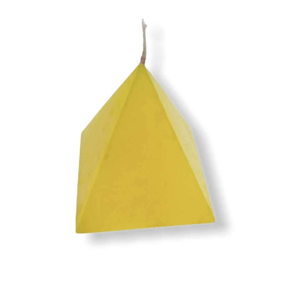 Vela-pirámide-amarilla.jpg