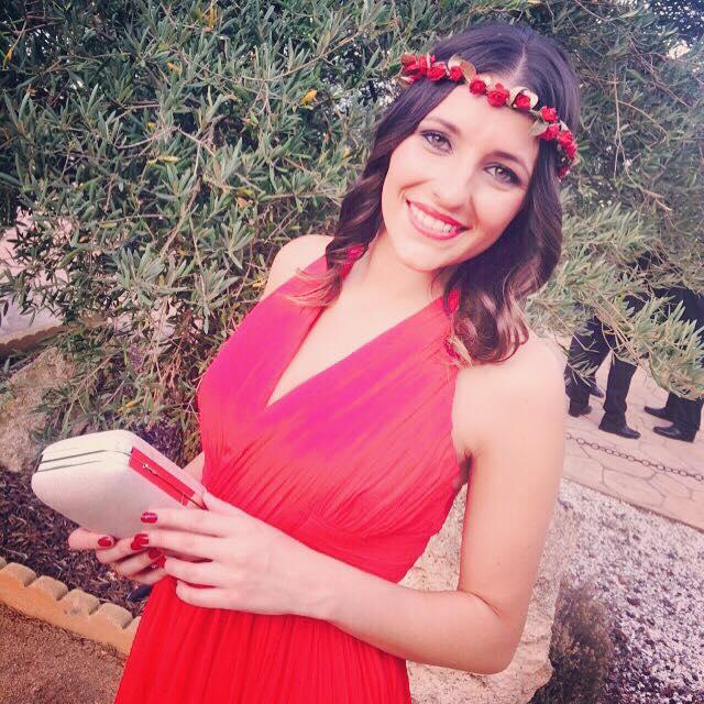 Coronita flores rojas