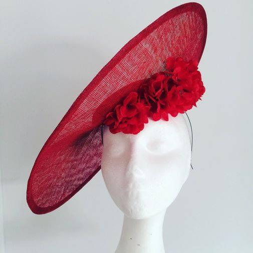 Tocado lady in red