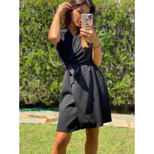 Vestido/chaleco negro  [1]