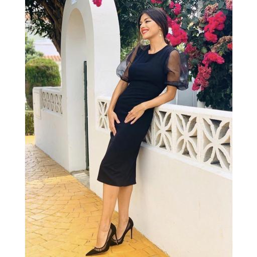 Vestido negro con manga globo