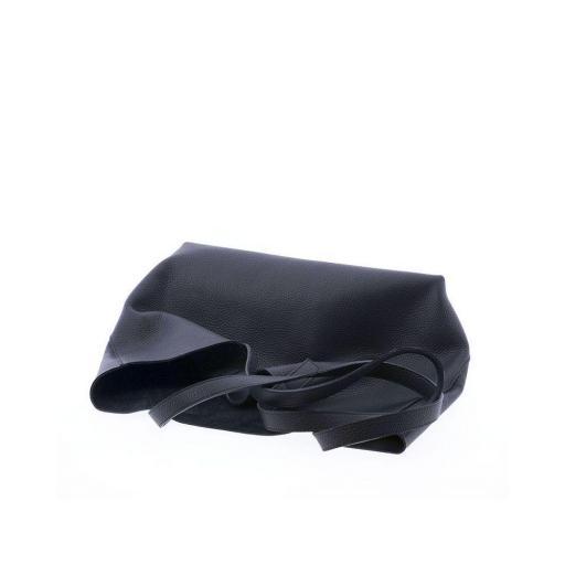 Bolso de piel negro [1]