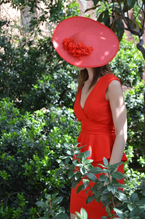 Vestido rojo corte peplum