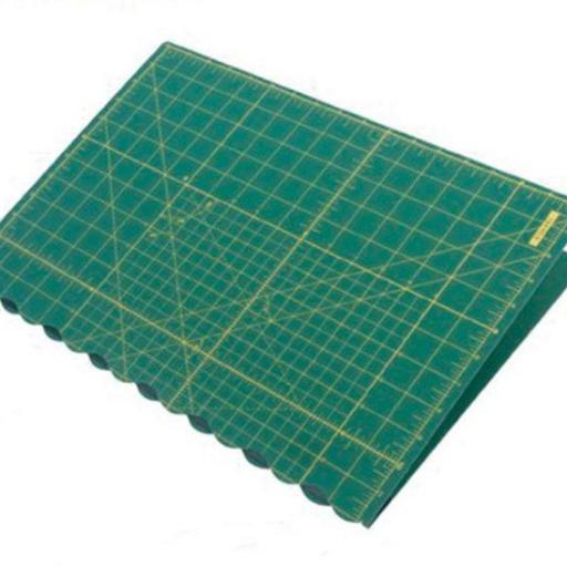 Base de corte plegable 30 x 43 cm Olfa [1]