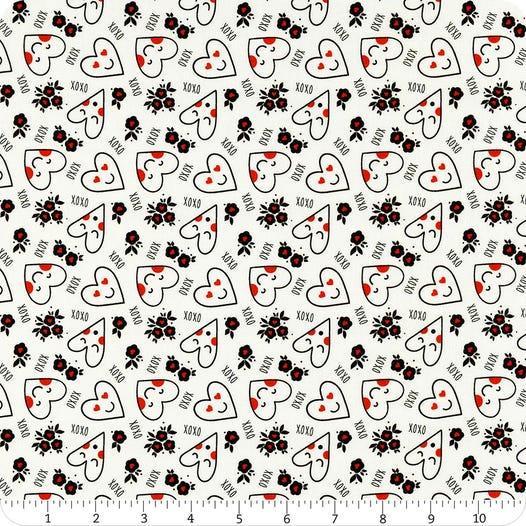 Tela patchwork de fondo blanco con corazones xoxo