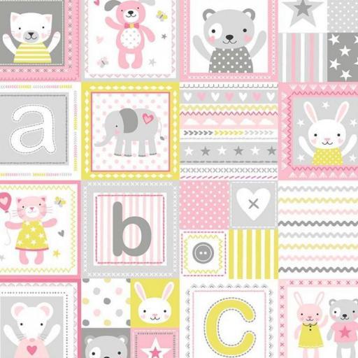Tela patchwork cuadrados rosas con animalitos
