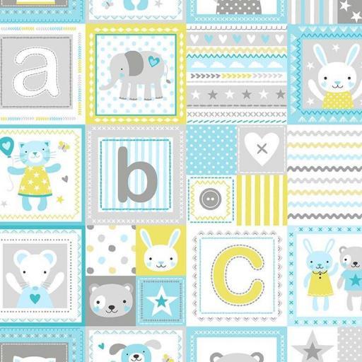 Tela patchwork de cuadrados con animalitos y letras