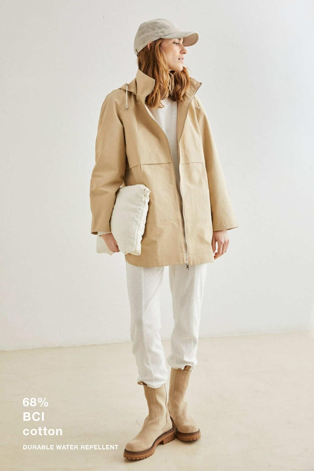 PARKA CON CAPUCHA, ESEOESE, REF. 109535