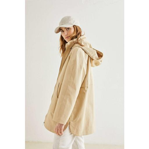 PARKA CON CAPUCHA, ESEOESE, REF. 109535 [1]