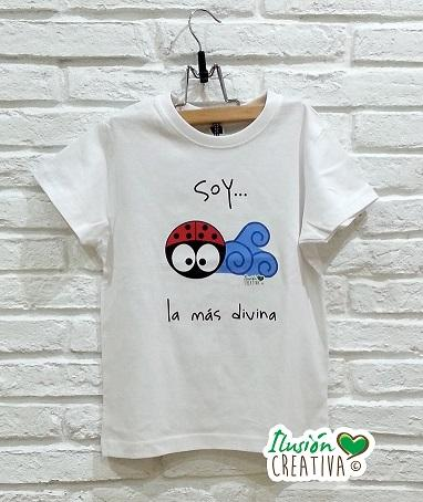 Camiseta Soy la más divina (Mariquita Daniela)