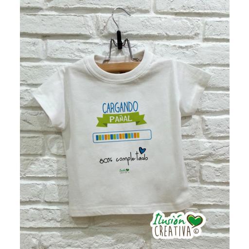Camiseta niño - Cargando pañal