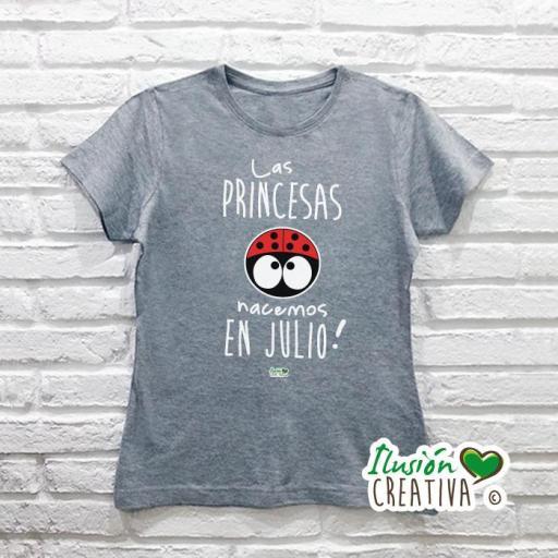 Camiseta Mujer.- Las princesas nacemos en... Línea Chiquinete