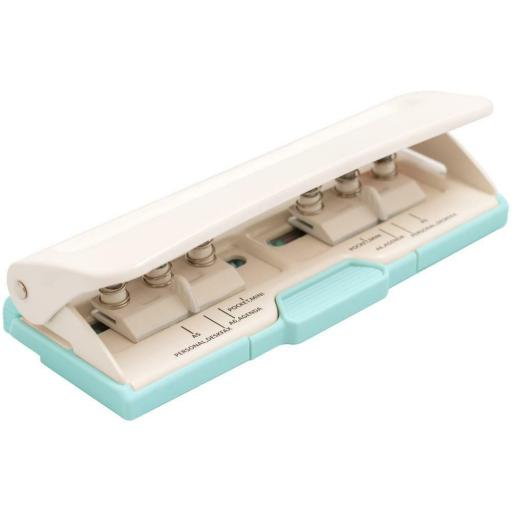 PLANNER 6 HOLE PUNCH WE R MEMORY KEEPERS [1]