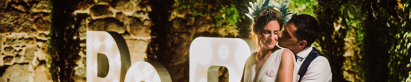 Cristina, la novia de la diadema de plumas verdes