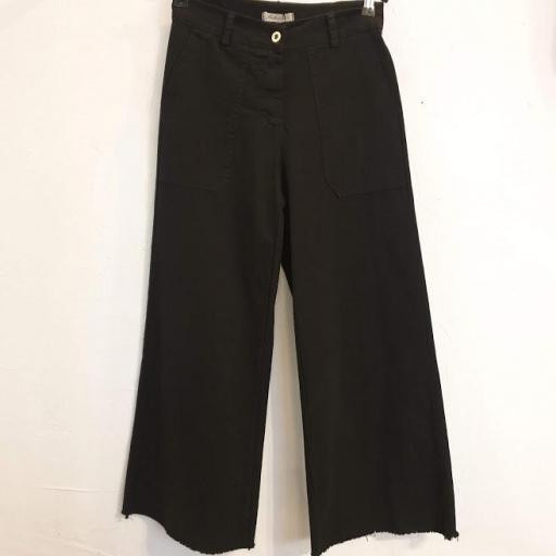 Pantalón basic crop [3]