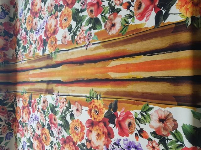 Neopreno estampado flores blanco / naranja
