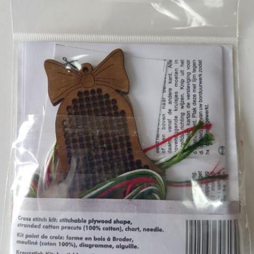 Kit de madera para bordar CAMPANA [1]