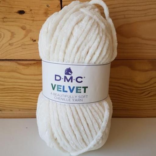 DMC VELVET CHENILLE Marfil 004