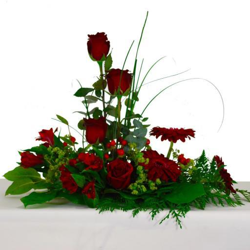 Composición vegetal con Rosas rojas
